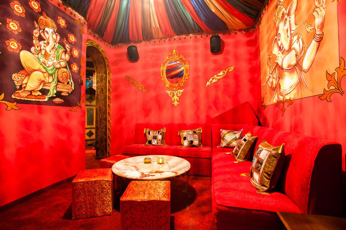 Poze din Interiorul restaurantului Ganesha - #19