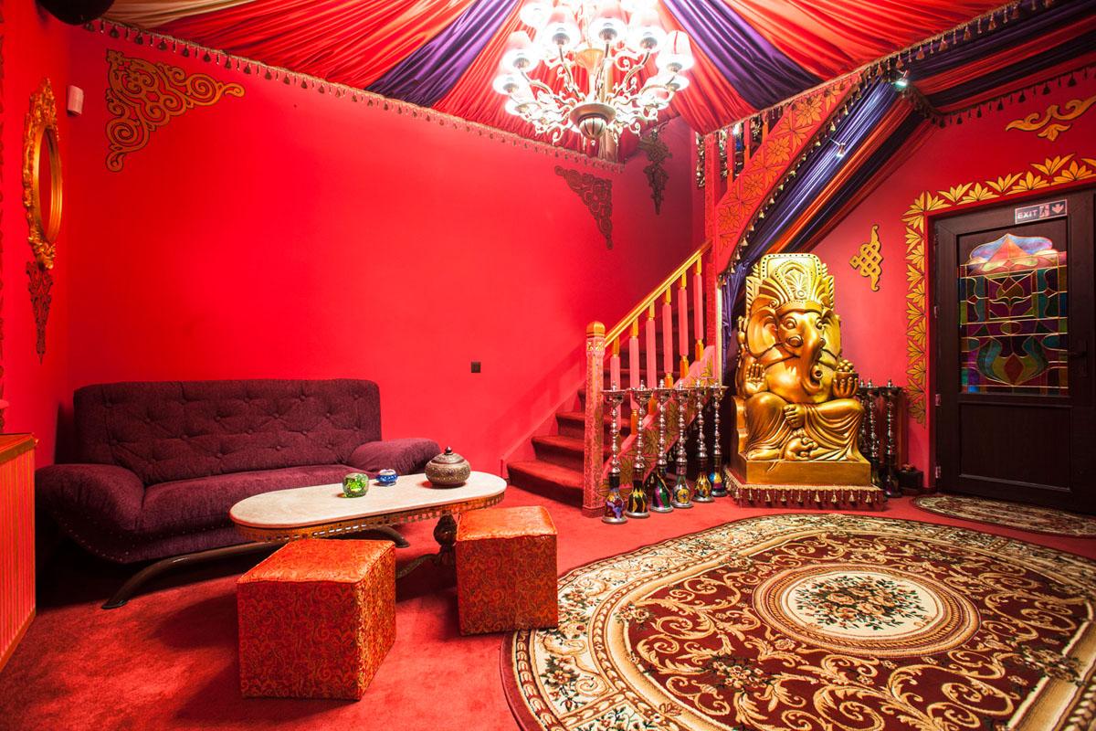 Poze din Interiorul restaurantului Ganesha - #18