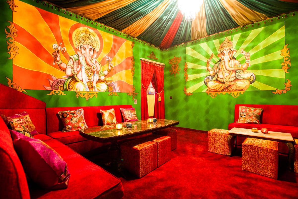 Poze din Interiorul restaurantului Ganesha - #1