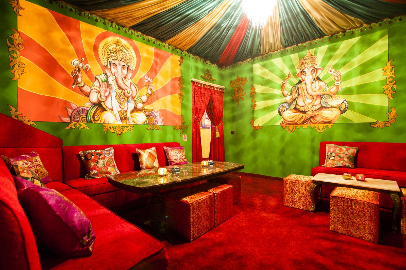 Poze din Interiorul restaurantului Ganesha - #15
