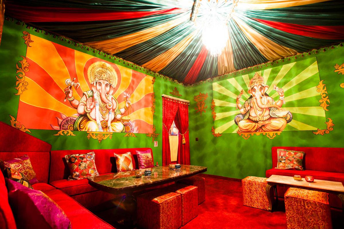 Poze din Interiorul restaurantului Ganesha - #5