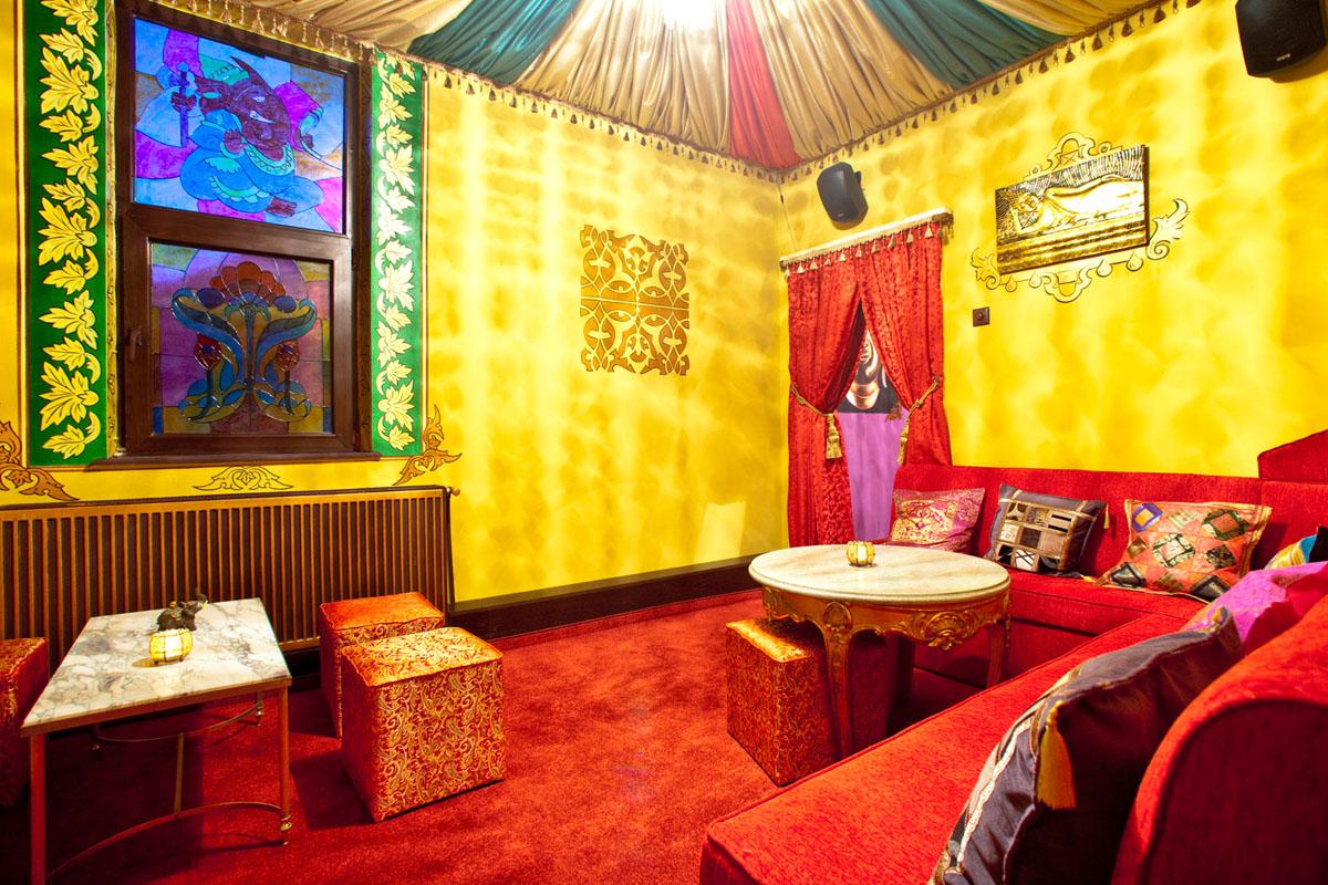 Poze din Interiorul restaurantului Ganesha - #3