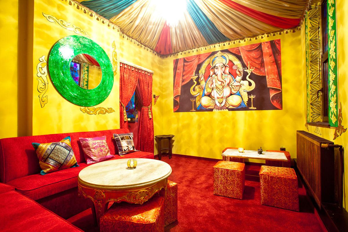 Poze din Interiorul restaurantului Ganesha - #17