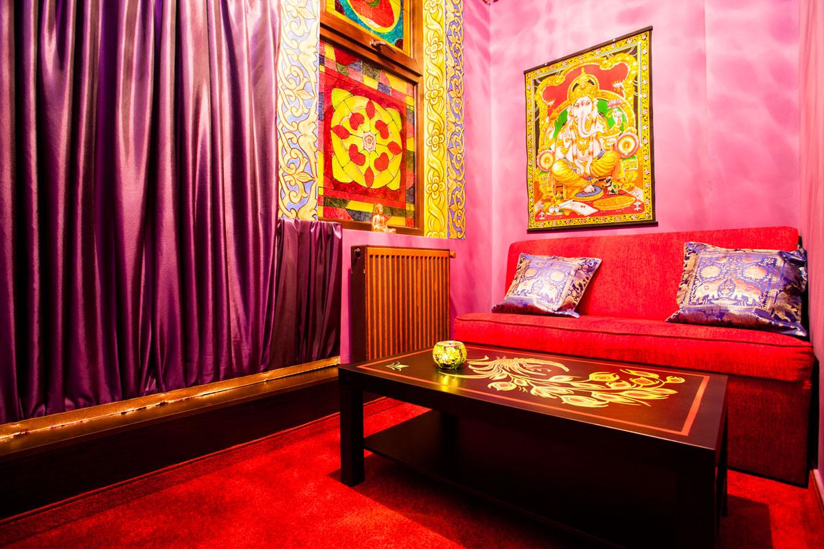 Poze din Interiorul restaurantului Ganesha - #6