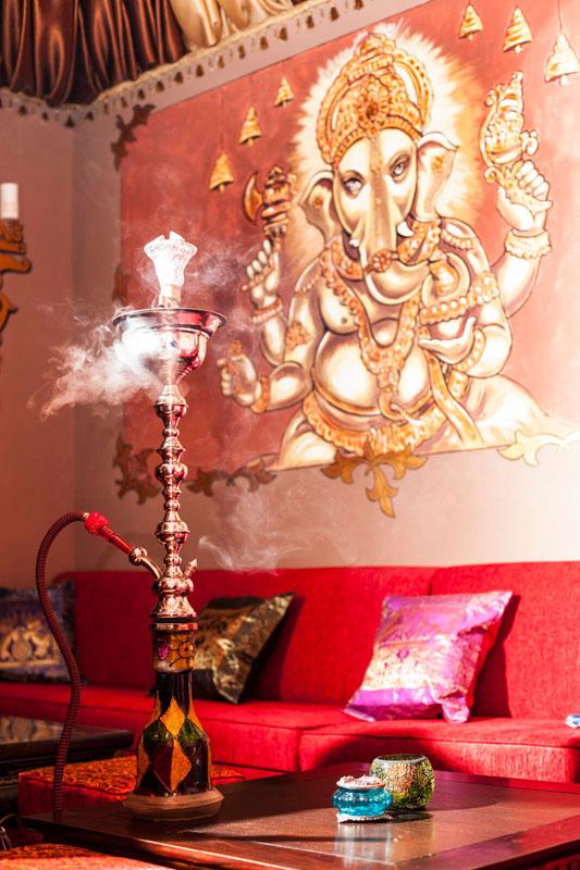Poze din Interiorul restaurantului Ganesha - #11